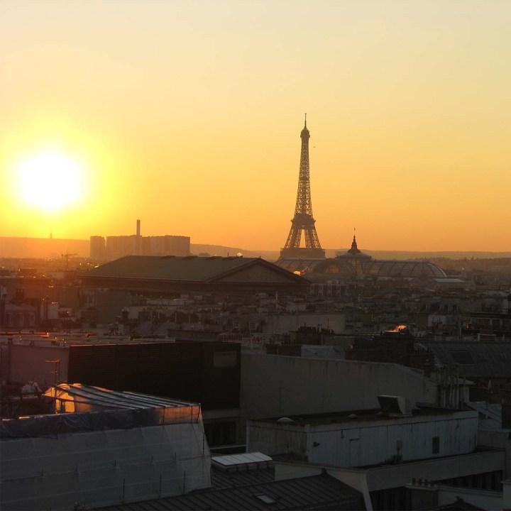 Coucher de soleil sur les toits deParis