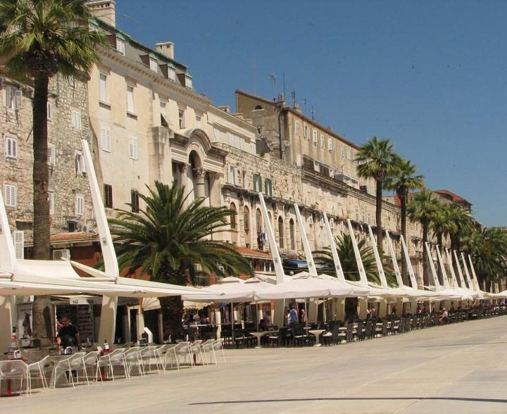 020717_Split_le_palais_devenu_ville_6