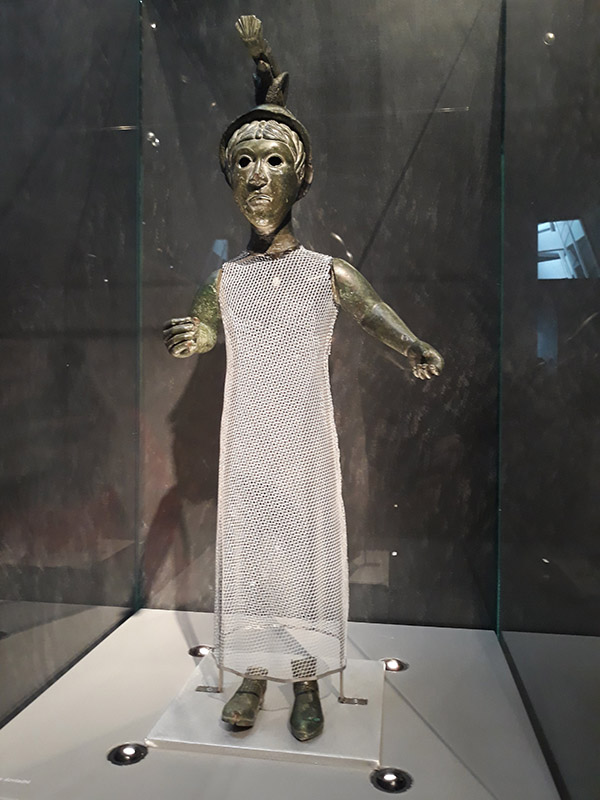 statue de déesse gauloise au Musée de Bretagne