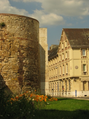 Beauvais_ville_mal_aimee_7